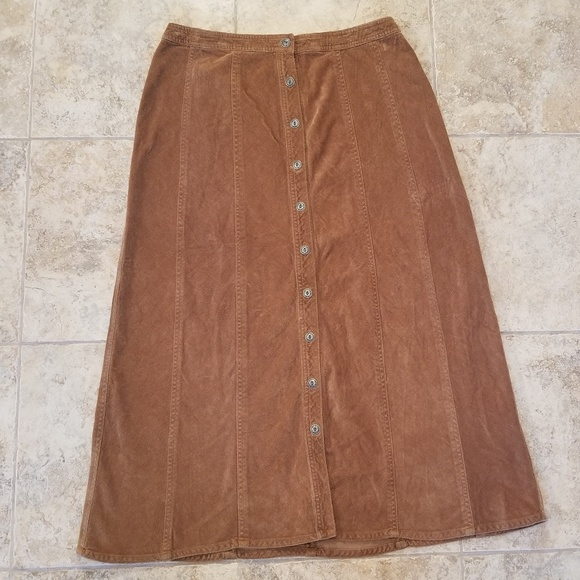 JM Collection Dresses & Skirts - JM Great Condition Tan Corduroy Maxi Skirt